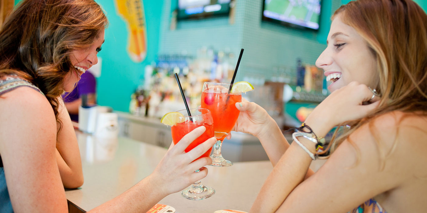 riptides sports grill holiday-inn-resort-pensacola-fl-bar